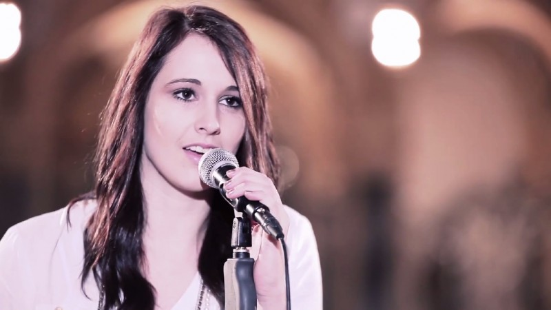 Sängerin Svenja aus Fürth